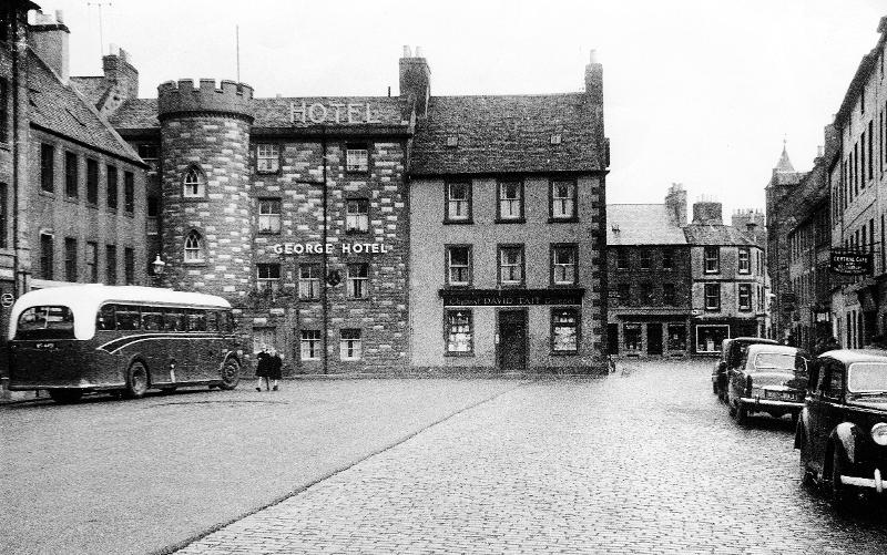 Tarmacking in progress, High Street, Haddington, October 1953